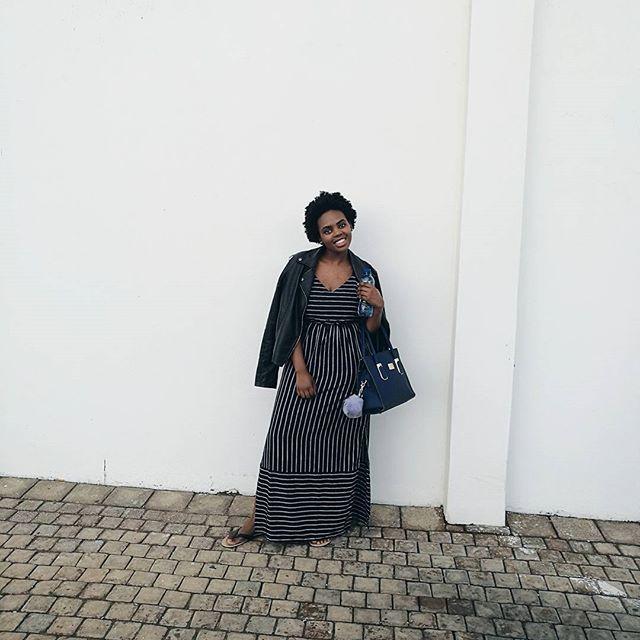 Waze wamnandi mqibelo ft. jacket yodumo. . . #lunch #lunchvibes #leatherjacket #yodumo #naturalhair #afro #black #mrpfashion #mrpmystyle #mrpsummer #smiles #miladyssa #travel #traveldiaries #simplicity #minimalism #minimalist #fashion #white #sablogger #vsco #huaweiza