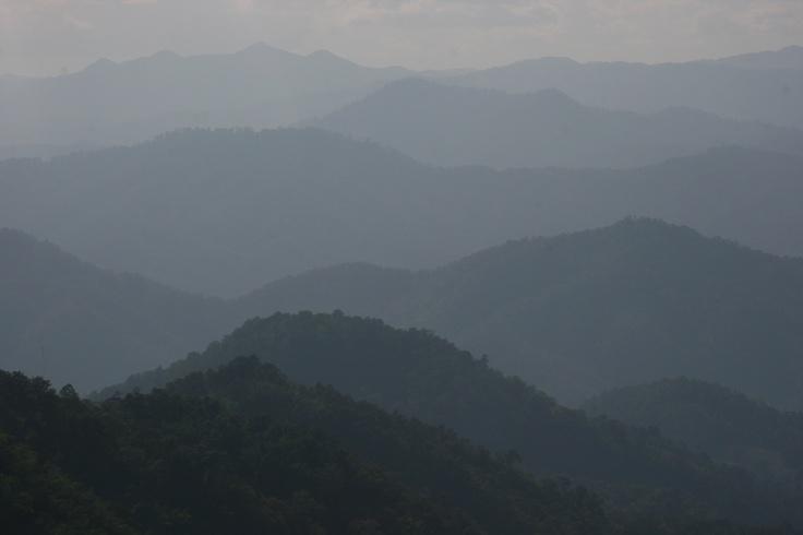 Chaîne de montagnes au nord de Chiang Mai, Thaïlande — novembre 2009
