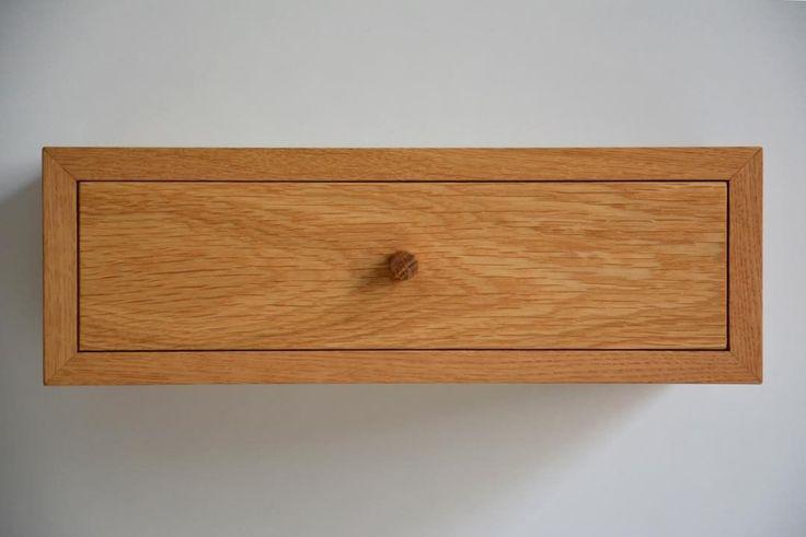 """10 kedvelés, 2 hozzászólás – MyBetterShelf (@mybettershelf) Instagram-hozzászólása: """"Floating bedside table made of solid oak. www.mybettershelf.com #floating #shelf #bedside #table…"""""""