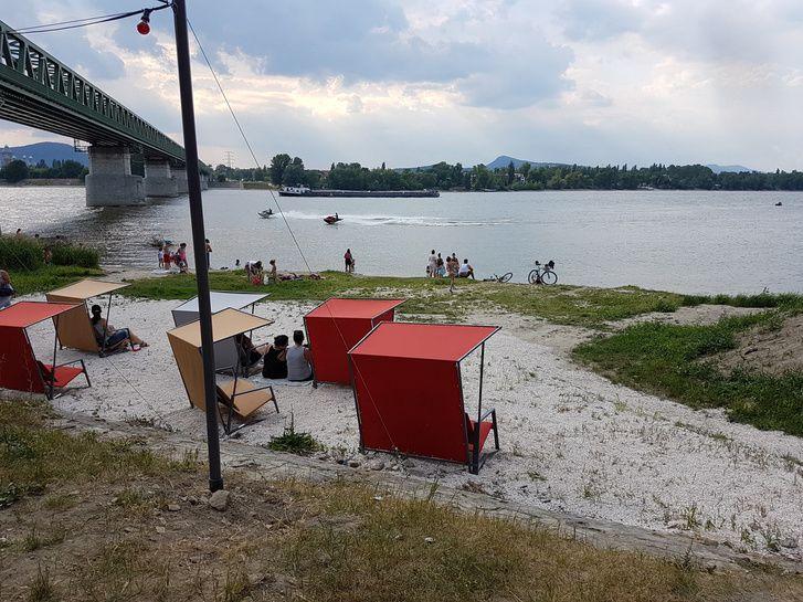 Megnyílt a római-parti Fellini párja az újpesti Duna-parton: itt a Kabin!