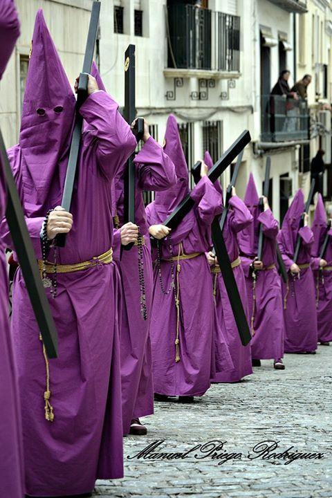 Hermandad de Nazarenos http://semanasantabaena.com.es/hermandad-de-nazarenos/