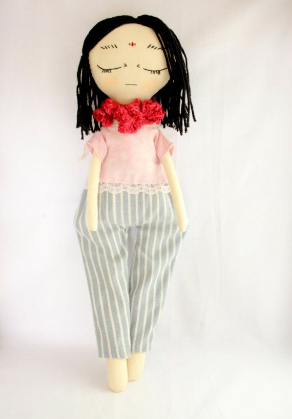 Check out this item in my Etsy shop https://www.etsy.com/listing/480441676/handmade-cloth-doll-heirloom-vintage