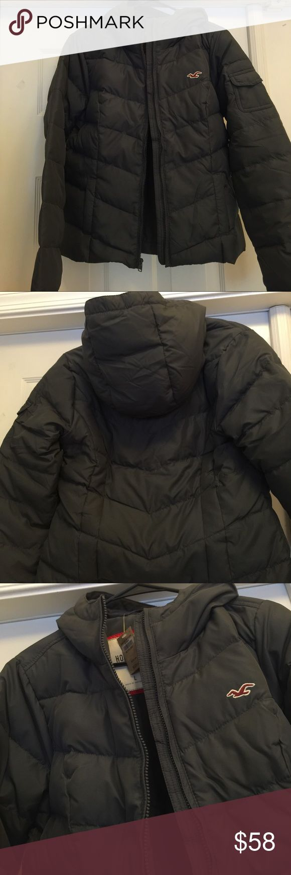 Hollister jacket NEW!!with tags,never worn,padded jacket,zipper front,two pockets,small pocket on sleeve.Final Reduction😊price is firm.and a great bargain!! Hollister Jackets & Coats