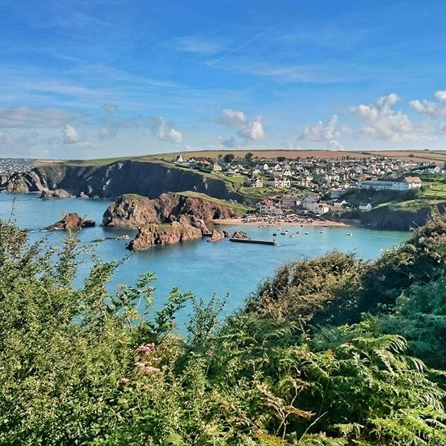 Picture perfect weather here in South Devon - even in September.     Here's Hope Cove sparkling in the morning sunshine