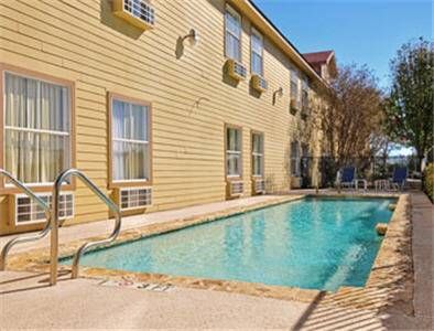 ... This Hotel Is Within One Mile Of The Historic Downtown Fredericksburg  Shopping District. The Hotel Offers A Seasonal Outdoor Swimming Pool With  Patio, ...