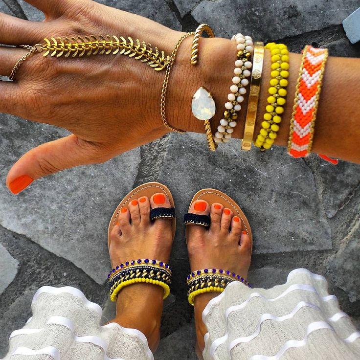 "Anna Skoog en Instagram: ""Details @mylifelikes.gr sandals @loveandbeproud @ohsocutethings @carolinesvedbom @bijouxleone @didadi_ bracelets"""