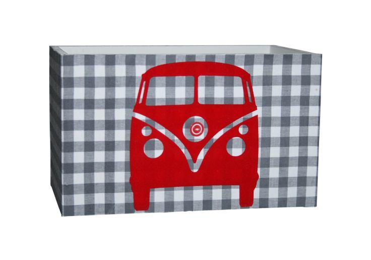 Kidsware wandlamp grijs met rode auto voor een jongenskamer. #kinderkamer #babykamer