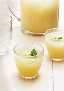 Felicity Cloake's alcoholic lemonade