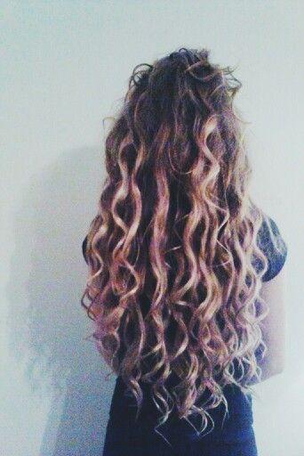 teased curls.  #blonde #curls #ombre #brunette #longhair