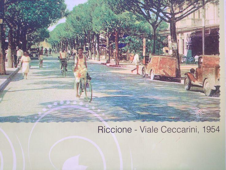 a Riccione la mitica via Ceccarini inizi anni '50