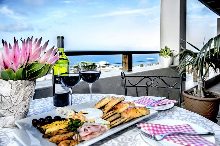Luxury Self-catering Bedroom with large covered balcony & direct access to BBQ area | Mariner Guesthouse | Simonstown accommodation | Cape Town   http://www.capepointroute.co.za/moreinfoAccommodation.php?aID=513
