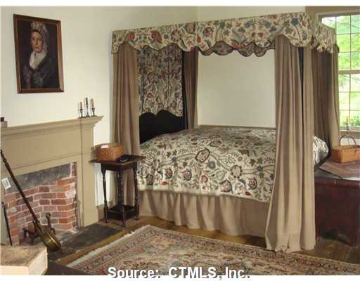 Colonial Bedroom. love the style and choice of colors...