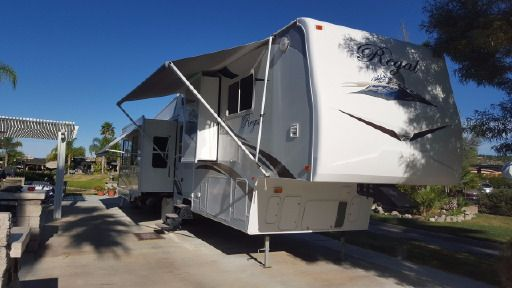 Check out this 2007 Fleetwood Regal 365BSQS listing in Temecula, CA 92009 on RVtrader.com. It is a Fifth Wheel and is for sale at $25000.
