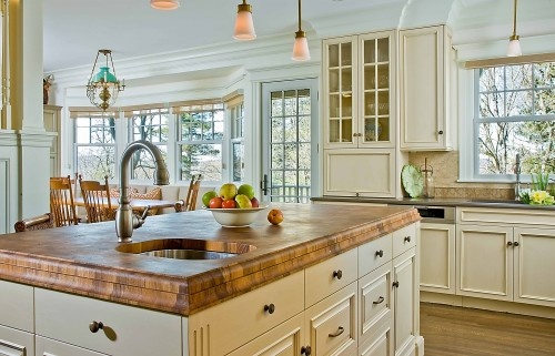 My brother does custom cabinetry -- gotta ask him to make me a butcher block top like this.