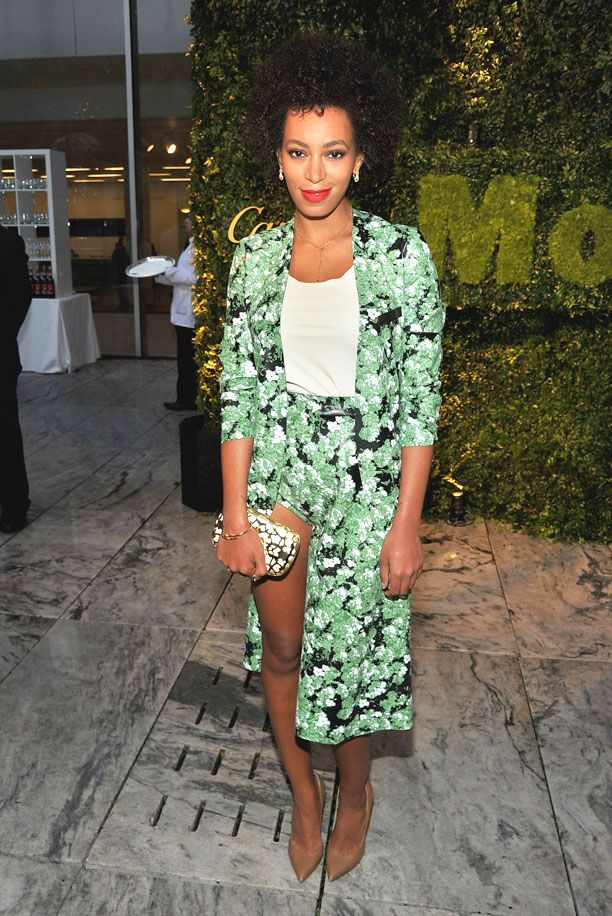 Solange Knowles - Moma Garden Party! Love her outfit!Girls Crushes, Fashion, Floral Skirts, Celebrities Style, Hot Pants, Garden Parties, Nude Heels, Solange Knowles, Gardens Parties