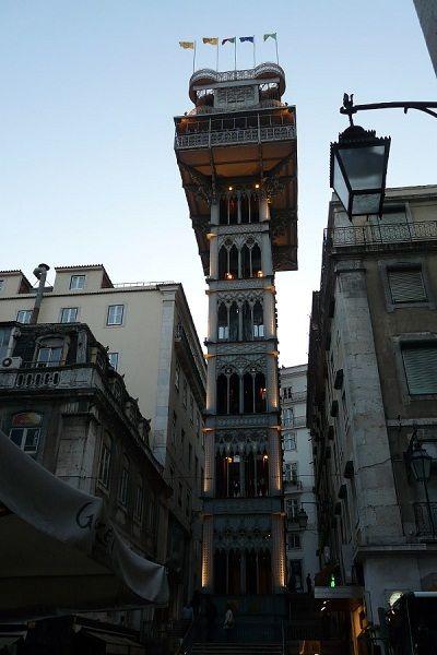 Viaja a Lisboa con niños y súbete en el elebador de Santa Justa