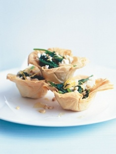 mini spinach pies I love making these easy filo shells! This is a great recipe but fill with one of your fav's and take to the beach perfect two bites no plate needed<3
