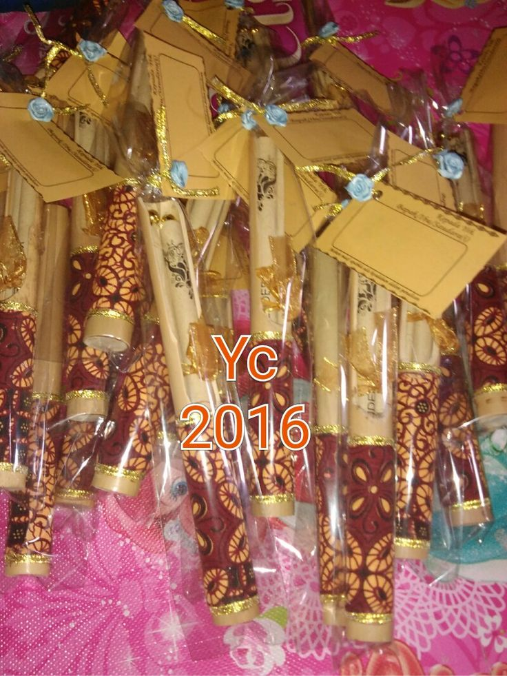 Yogya craft #undangan #undanganpernikahan #undangangulung #undanganbambu #undangangulung #undanganmurah #undanganbambuseparo #undanganjogja #undanganyogyacraft #design #souvenir