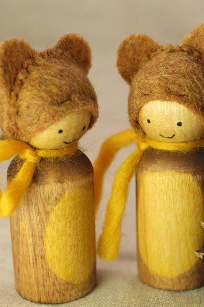 Bear friends - Waldorf-inspired peg dolls!