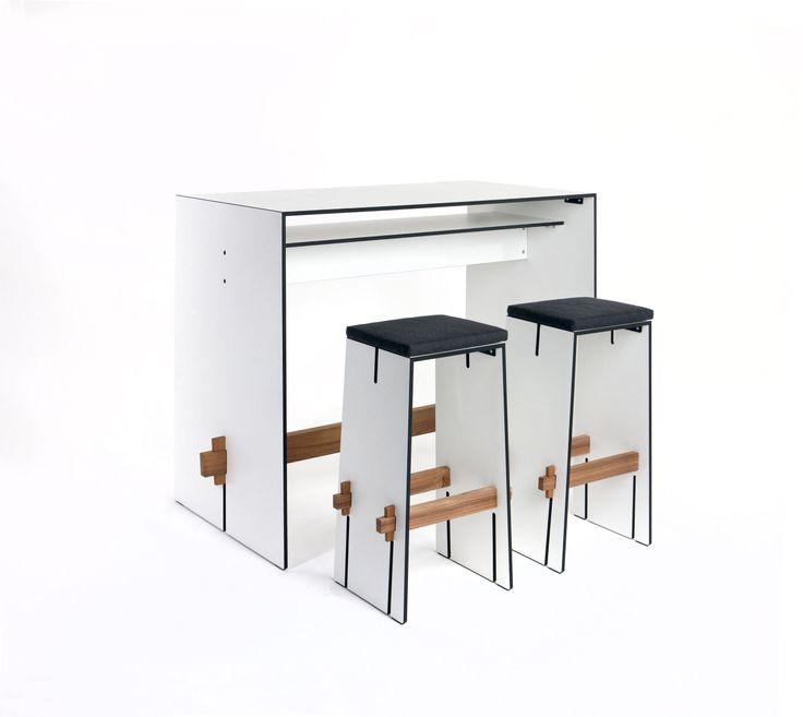 Riva Bar jest zestawem mebli, który znajdzie swoje zastosowanie zarówno w pomieszczeniach jak i ogrodzie