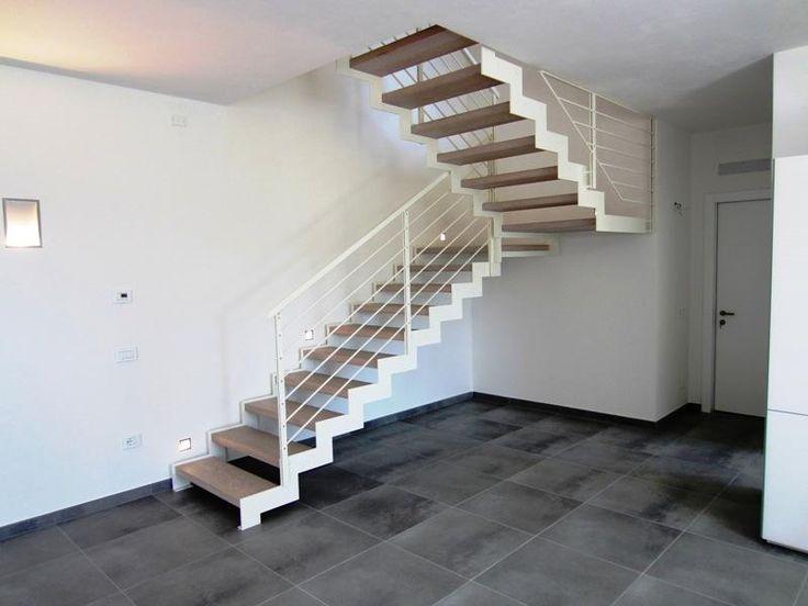 Oltre 25 fantastiche idee su scale di legno su pinterest - Idee scale per interni ...