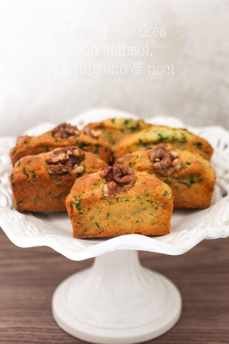 Plumcakes con spinaci, parmigiano e noci. un antipasto velocissimo e perfetto per una cena informale.