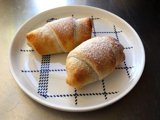 Apple cinnamon croissants