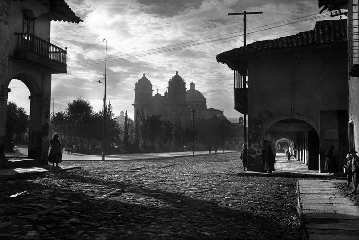 secretcinema1:  Sunrise on Parade Square, Cuzco, Peru, 1925,Martin Chambi