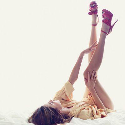 : Mirandakerr, Miranda Kerr, Long Legs, Chris Coll, Red Shoes, Beautiful, Boudoir Inspiration, Heels, Pink Shoes