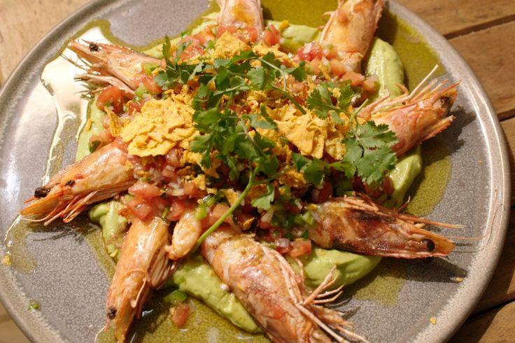 Dit is een fijn gerecht dat je kunt serveren als aperitiefhapje, voorgerecht of lunch. Pico de gallo is een salsa van fijngesneden groenten. Het komt uit de Mexicaanse keuken en is dus lekker pittig.