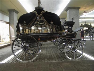 Funeral Carriages (Horse Drawn Hearses).Nueva adjudicación CyO: ampliación de dependencias y servicios para Cementiris de Barcelona Spain