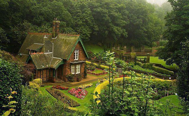 Princes's Street Gardens, Edinburgh, Scotland