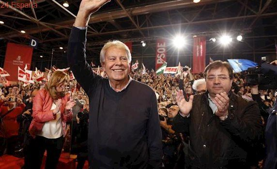 Felipe González no irá al Congreso del PSOE por un viaje a Colombia