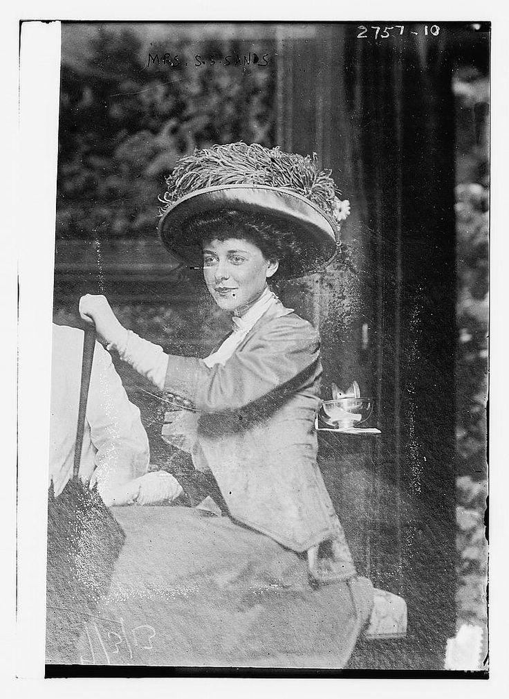 earwigbiscuits:    Mrs. Gertrude Sheldon Sands, wife of Samuel Stevens Sands III, a son of Mrs. William K. Vanderbilt Sr., in 1913. Lovely Gertie was widowed that summer when her husband was killed in an automobile accident in West Hampton NY; three years later she married financier Richard Whitney. (Library of Congress)    What an elegant and lovely portrait!