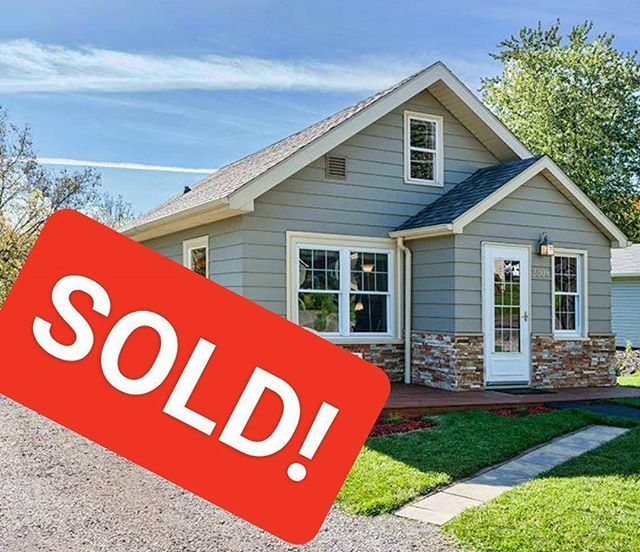 Congrats to our sellers at 2308 Catskill St!! Best wishes on your new adventures in Belize! #sold . . . #deannabennettrealestateteam #reallivingrealestate #sold #duluthmn #duluthloveslocal #authenticduluth #movetoduluth #duluthhomes #homesofduluth #realtor #topagent #realestateagent #sellersagent #listingagent #duluthmnrealtor #duluthmnrealestate #homesold #homeseller #sellersagent #localrealtors - posted by DeannaBennettRealtor https://www.instagram.com/deannabennettrealtor - See more Real…