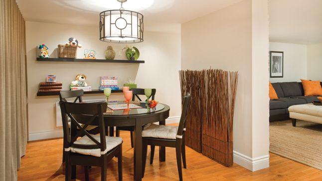 3 styles, 3 sous-sols | Les idées de ma maison Crédit photo: François Laliberté #deco #sousol #table #accessoires #bois