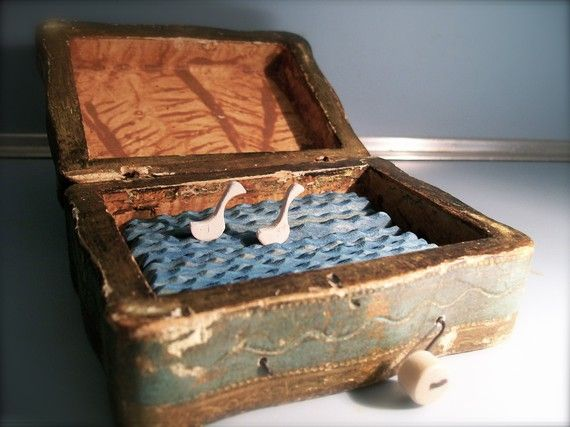 swans in box automaton