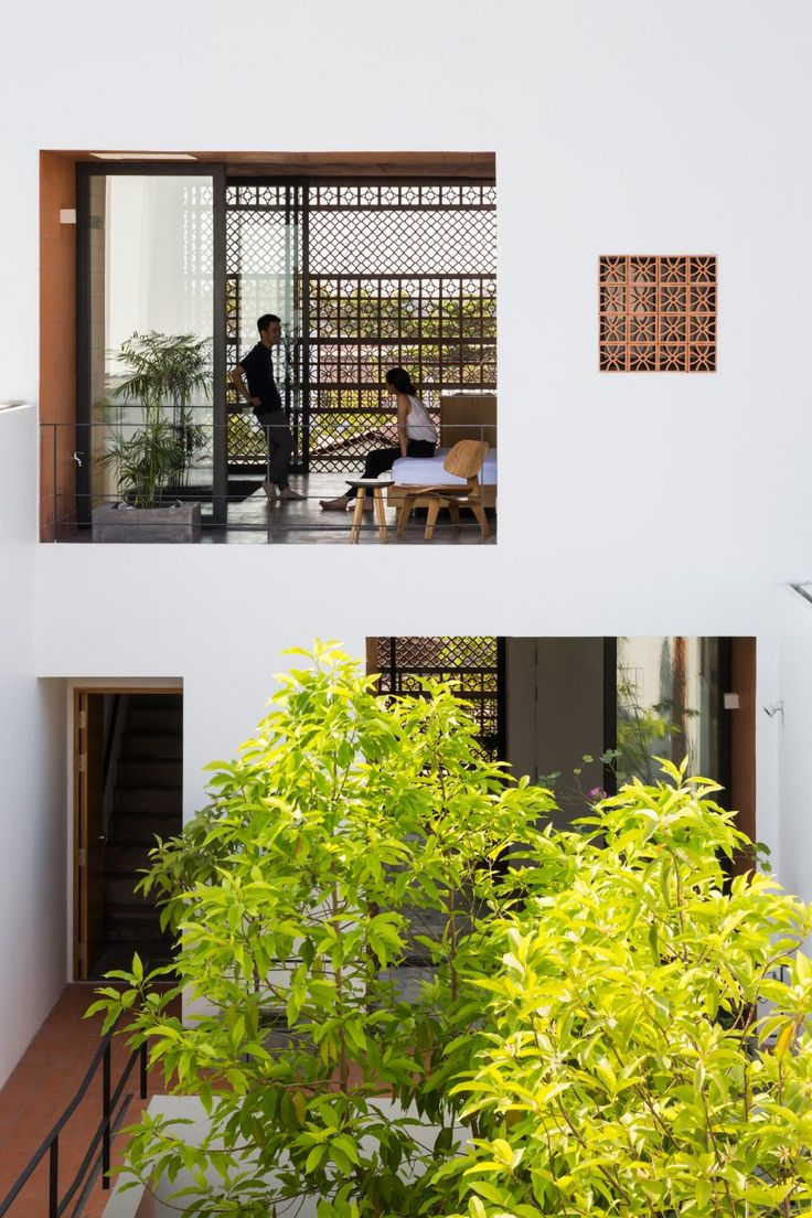 Sanuki Daisuke Architects chose terracotta for its relatively low cost. The perforated blocks also provide natural ventilation and cooling by shading, while still maintaining privacy from the street