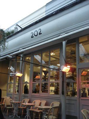Defo for lunch or brunch! There will be a wait, but the line moves quickly. LONDON: 202 Restaurant in Notting Hill