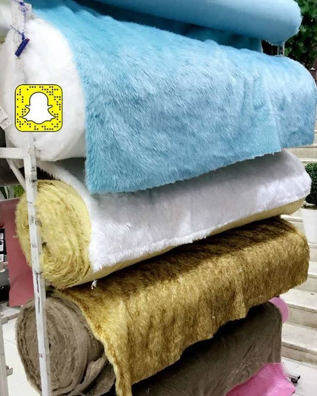 الهزاز مون الرياض On Instagram فرو بلا متر ٢١ريال المتر Throw Pillows Throw Blanket Pillows