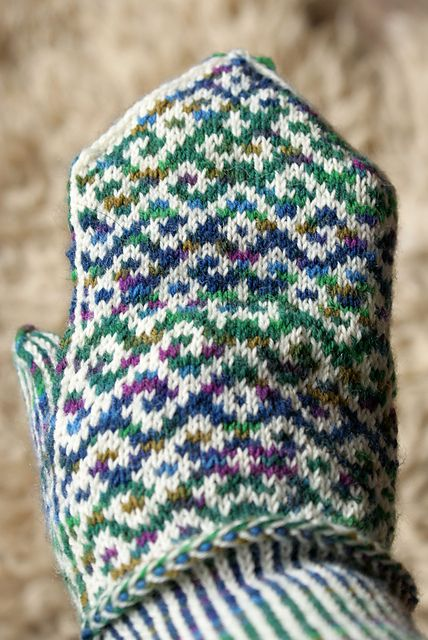 Free! ... Latvian style, variegated with solid, awesome cuff details ...