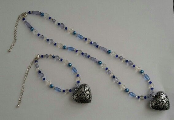 Beaded necklace and bracelett with charm
