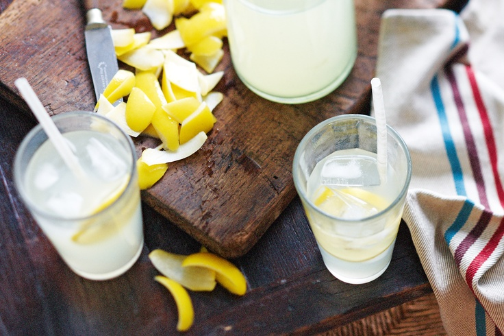 This old-fashioned lemonade drink recipe was inspired by Sean Moran. It is considered a slow food recipe, requiring at least 10 hours before one can enjoy it.