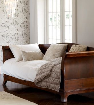Broughton Dark Day Bed - A classic look, Broughton features stately Georgian curves. Available in two colour finishes both finished with a low maintenance lacquer. - Broughton