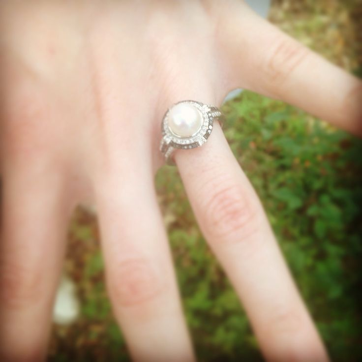 Engagmeant Rings With A Pearl