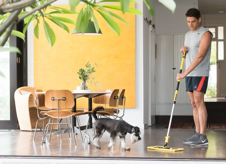 Designed specially for high gloss, hard floor surfaces inside the home, the Gloss Floor Fibre effectively cleans and quickly leaves floors dry with a high shine. This clever fibre replaces the need for harmful chemicals that may be traditionally used to clean and shine gloss and reflective floors.