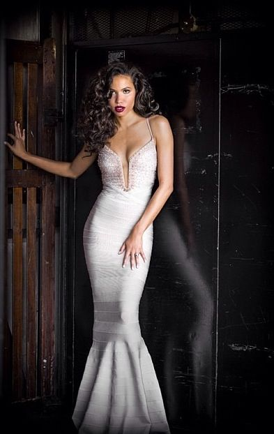 Jurnee Smollett rocked this gown