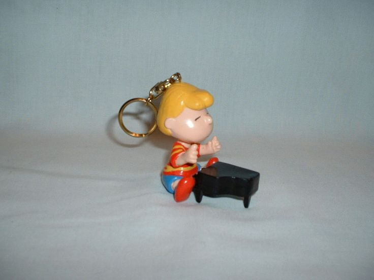 SNOOPY PEANUTS SCHROEDER Keyring Keyfob Figure Toy (APPLAUSE/SCHULZ/MOVIE/COMIC)    eBay
