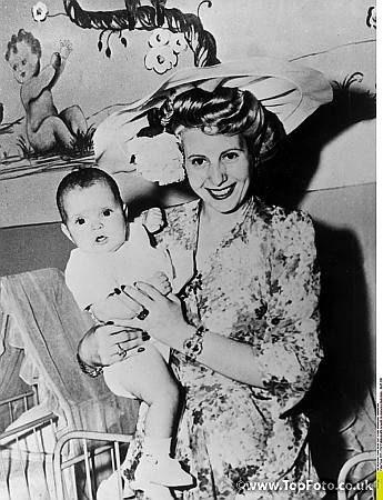 Evita Peron visiting a Roman ophanage1919 July 4, 1947