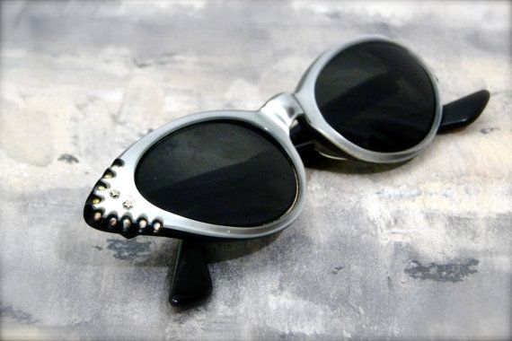 vintage womens accessories // cat eye sunglasses // eyewear // cat eye frames Tru-Tone by American Optical